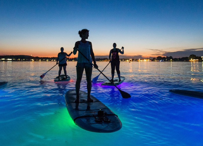 Metta Float Yoga & SUP - SUP Glow Night Tour