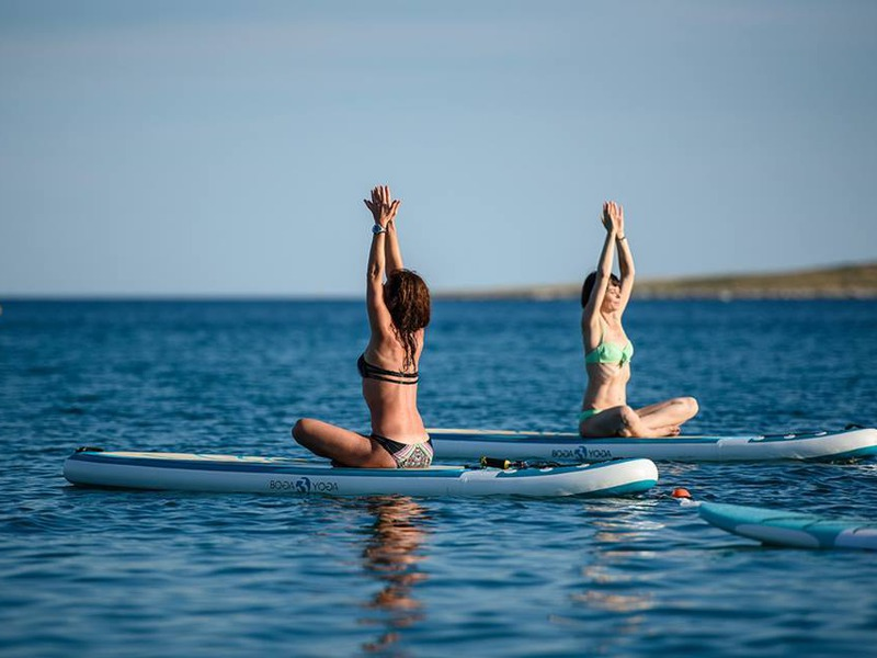 Yoga on the water ( SUP Yoga) in Croatia - Metta Float